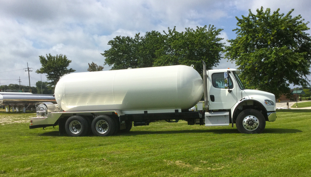 2015 Freightliner M2-106 : Growmark Tank and Truck